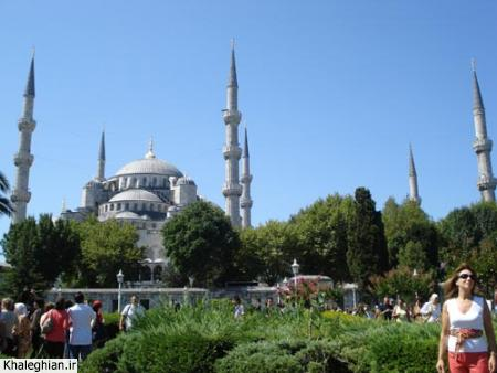 """مسجد سلطان احمد """"آبی"""" ، بزرگترین مسجد بین مساجدی که من دیدم و تنها مسجدی که شش مناره دارد."""