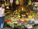 میوه فروشی های رنگارنگ و تمیز در بازارهای استانبول